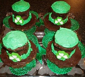 st patricks day desserts made from chocolate cupcakes