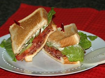 How to Make a Bacon Lettuce Tomato Sandwich