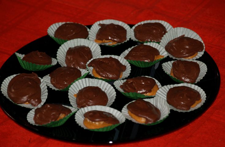 Easy Butterscotch Chocolate Nut Kisses