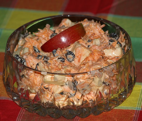 How to Make Carrot Apple Salad Recipe