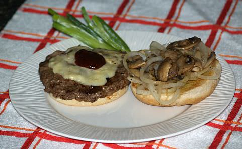 Cheeseburger with Mushrooms and Brie Cheese