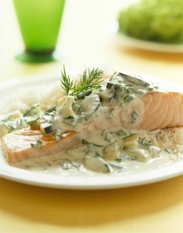 baked salmon with cucumber dill sauce