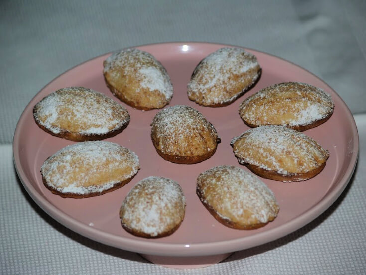 Cinnamon Madeleines with Apricot Filling