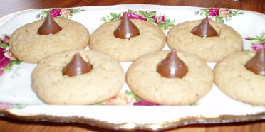 Peanut Butter Kiss Cookie Or Peanut Blossom Cookie
