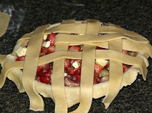 lattice pie crust for strawberry rhubarb pie