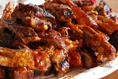 Cooking ribs with bbq sauc