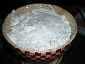 dirt cake whipping cream layer