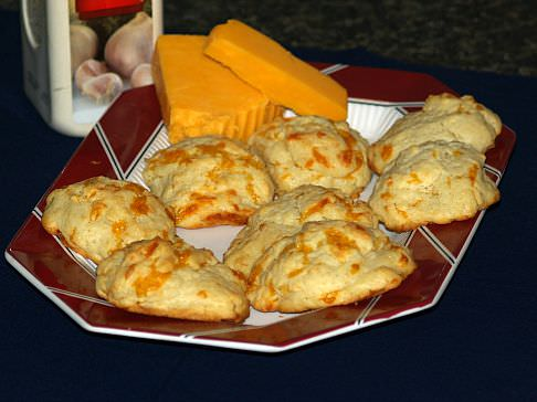 Drop Biscuit Recipe with Cheddar Cheese and Garlic