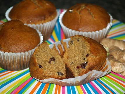 How to Make Gingerbread Muffins with Raisins