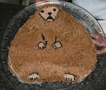 how to make a heart cake and use to make a groundhog