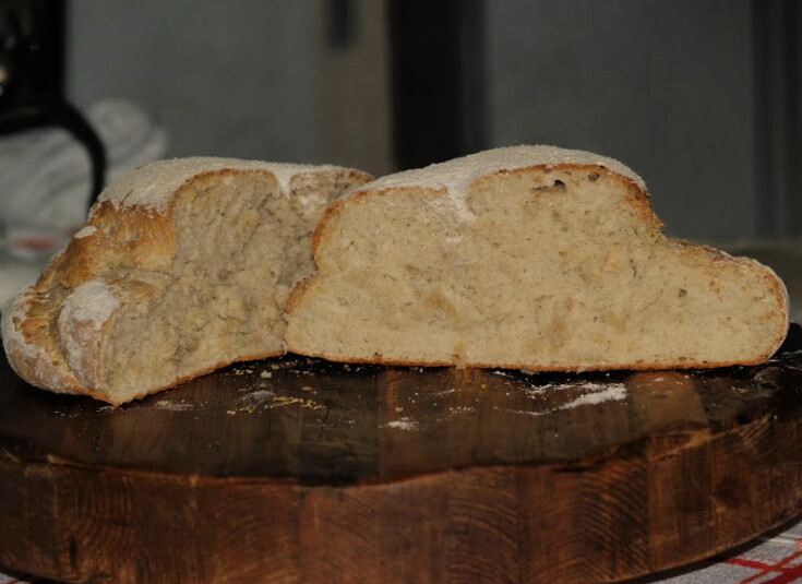 Old Fashioned Crusty Cottage Loaf