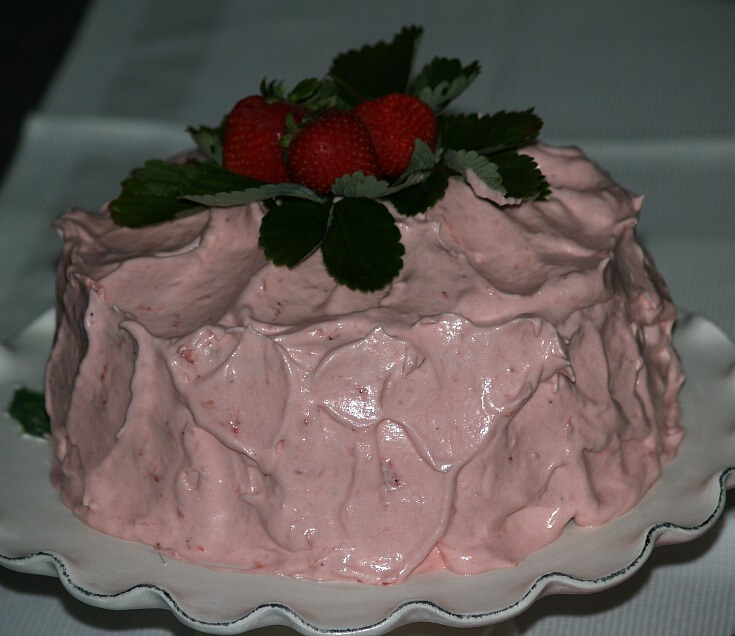 Moist White Strawberry Cake