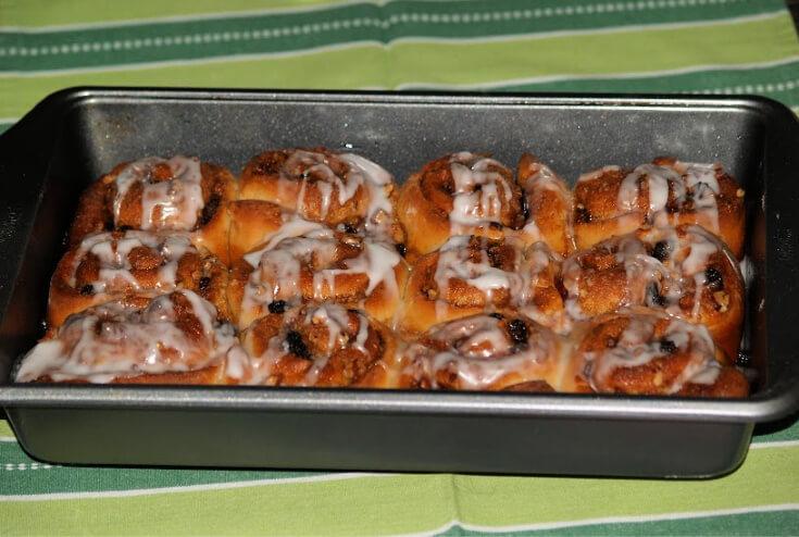 Cinnamon Rolls with Raisins