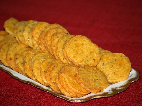 Ice Box Cheese Wafers Recipe