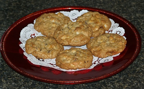 Double Chocolate Chip Macadamia Nut Cookies