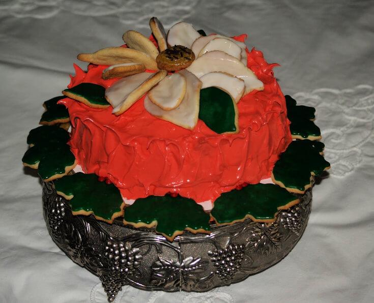 Poinsettia Cake for Christmas