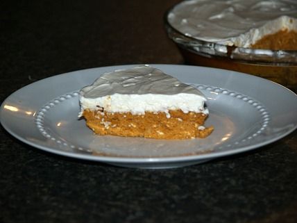 How to Make Pumpkin Cheese Pie with a Sour Cream Topping