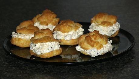 Ricotta Filled Italian Cream Puffs