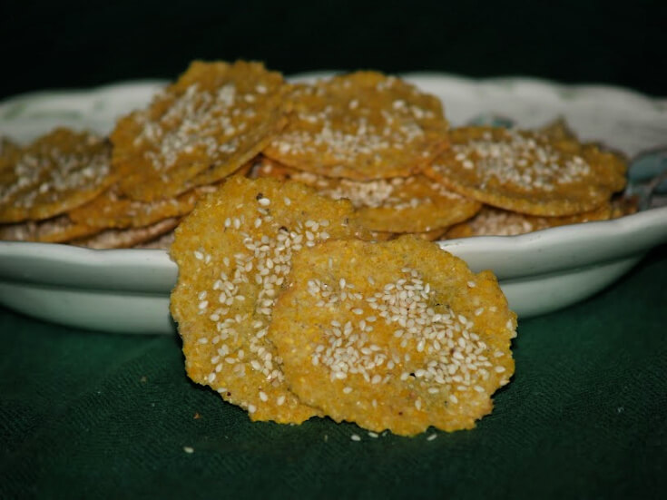 Sesame Seed Cornmeal Crackers