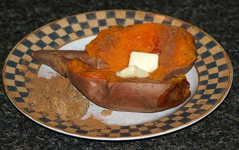 How to Cook Sweet Potatoes with Butter, Cinnamon and Brown Sugar