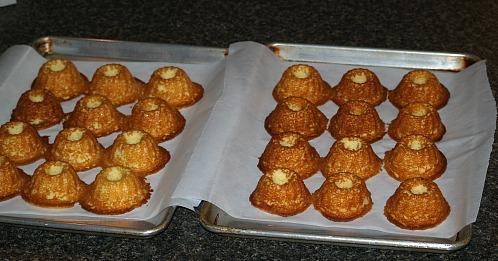 fresh from the oven moist vanilla cupcakes
