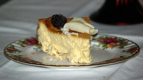 plain white chocolate cheesecake