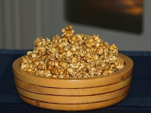 Caramel Corn Recipe for a Gift