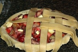 lattice pie crust for strawberry rhubarb pie