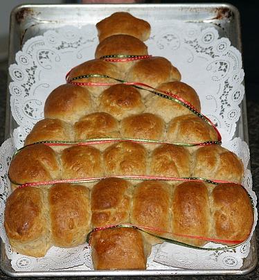 holiday bread recipe shaped as a Christmas Tree