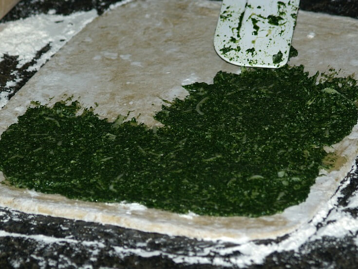 Spread Spinach Mixture Leaving a Clear Border