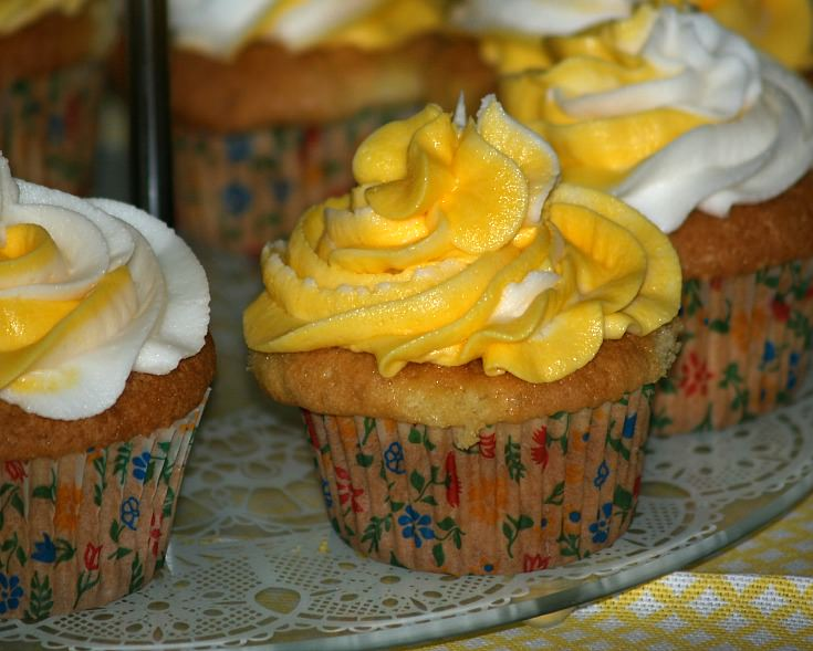 Orange Cupcake Recipe with Orange Flavored Buttercream Frosting