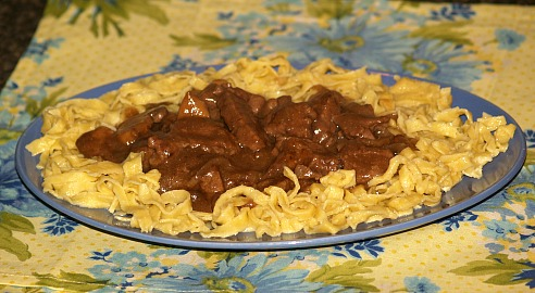 How to Cook Sirloin Tips with Burgundy Sauce