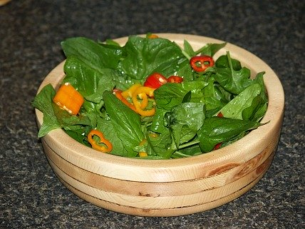 spinach and sweet pepper salad