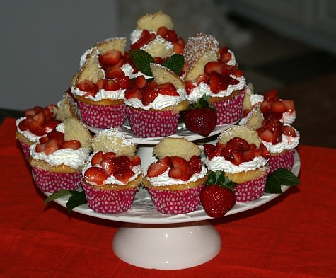 How to Make Strawberry Shortcake Cupcakes