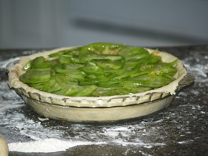 Filling a Green Tomato Pie