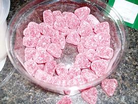 decorating heart shaped cake